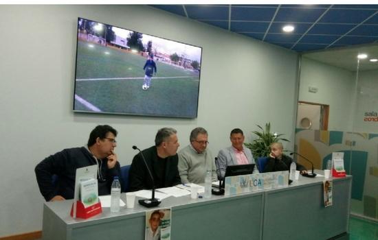 "Presentado el libro ""Abrazos de gol"" de Agustín Otero Muñoz"