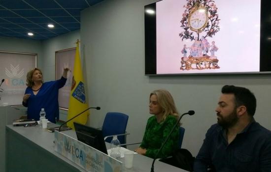 """Presentado el libro """"El Palacio del tiempo: Museo de relojes de Jerez"""" de May Ruiz"""