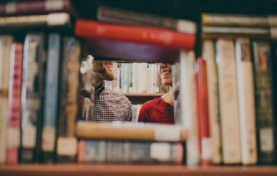 Pulsa en la imagen y descubre los manuales recomendados para tus asignaturas